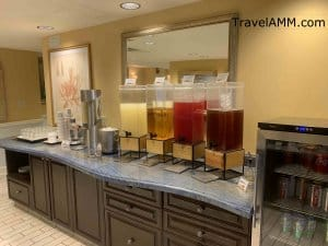 Beach Club Club Lounge drink options